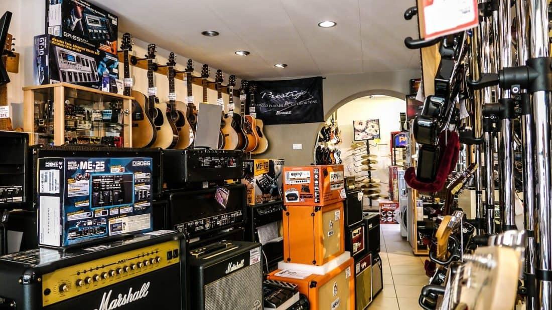 אביזרים לגיטרות - כלי מיתר חנות גיטרות