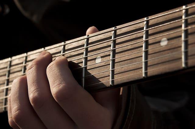 5 טיפים לטכניקה נכונה בגיטרה
