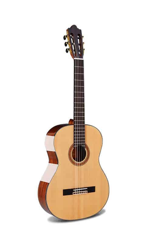 גיטרה קלאסית - Rozanez AC 118 - חלק קדמי של הגיטרה