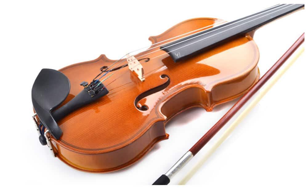 כינור 4/4 Smiger - V-30 MB - גוף הכינור עשוי מאשוחית - Spruce