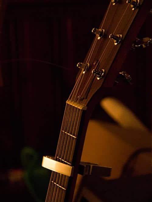 אביזרים לגיטרות וציוד נלווה